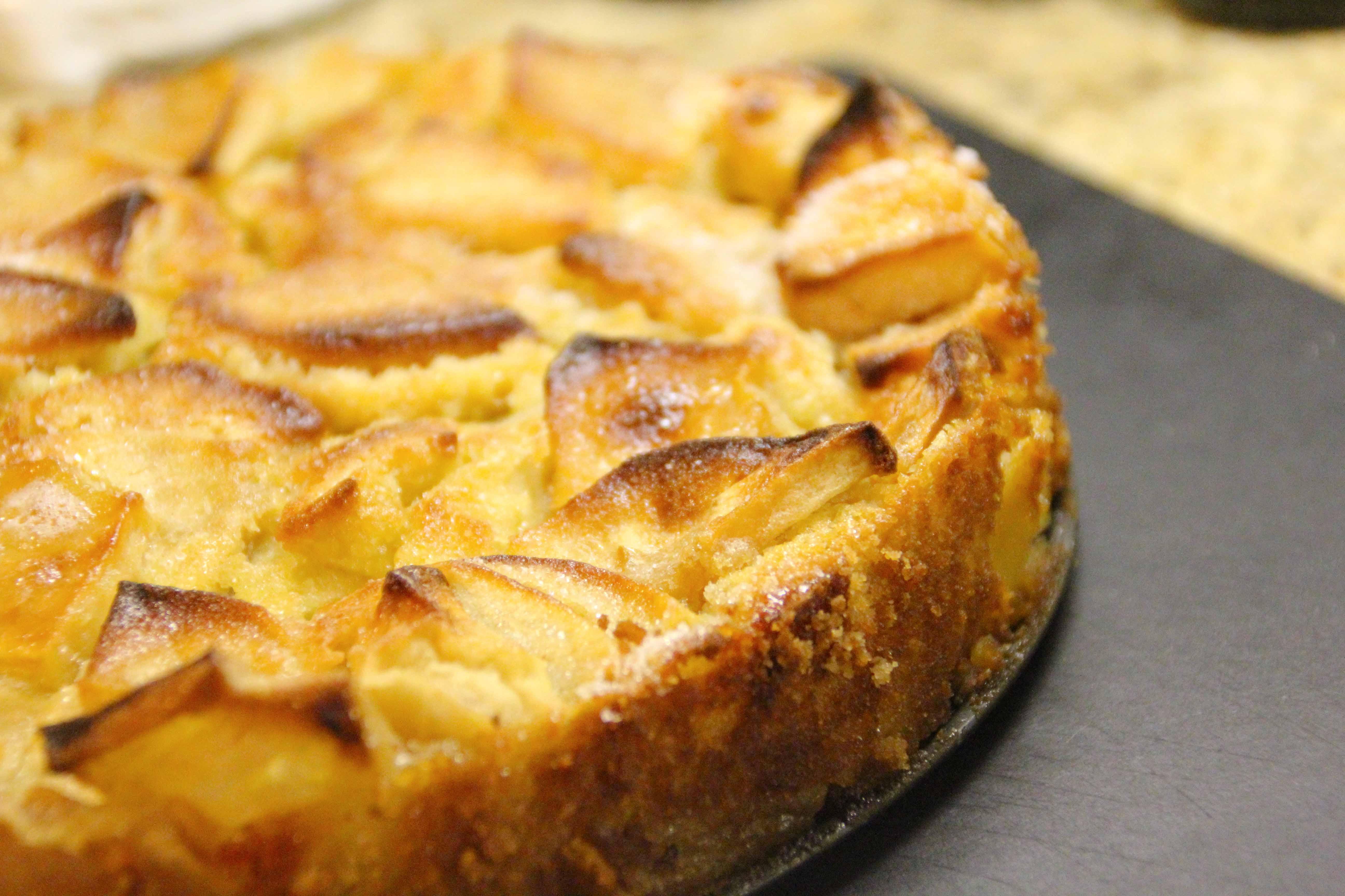 this cake…je ne sais quoi! marie-helenes apple cake | E A T & R E L ...