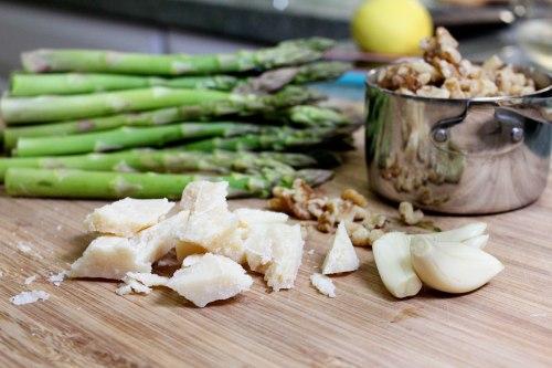 fennel pollen crusted salmon with asparagus walnut pesto - pesto ingredients